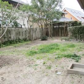南側広い庭
